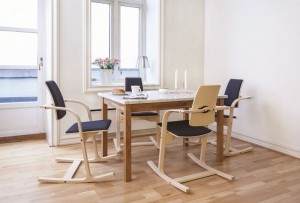 varier-actulum_dining-table_natural-ash_300dpi-800x800